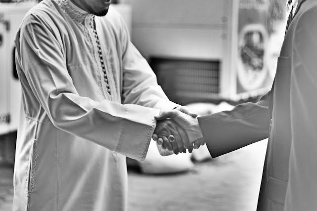 Apa Rahasia dibalik Berjabat Tangan?