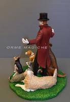 modellino da foto uomo elegante in frac cake topper con cani statuette milano orme magiche