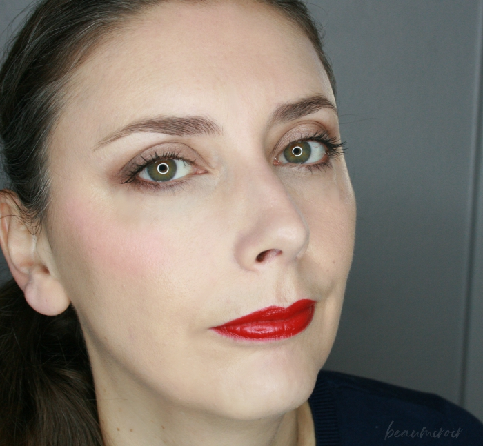 wearing grenat initie fotd full face picture motd lotd pale skin tone green eyes