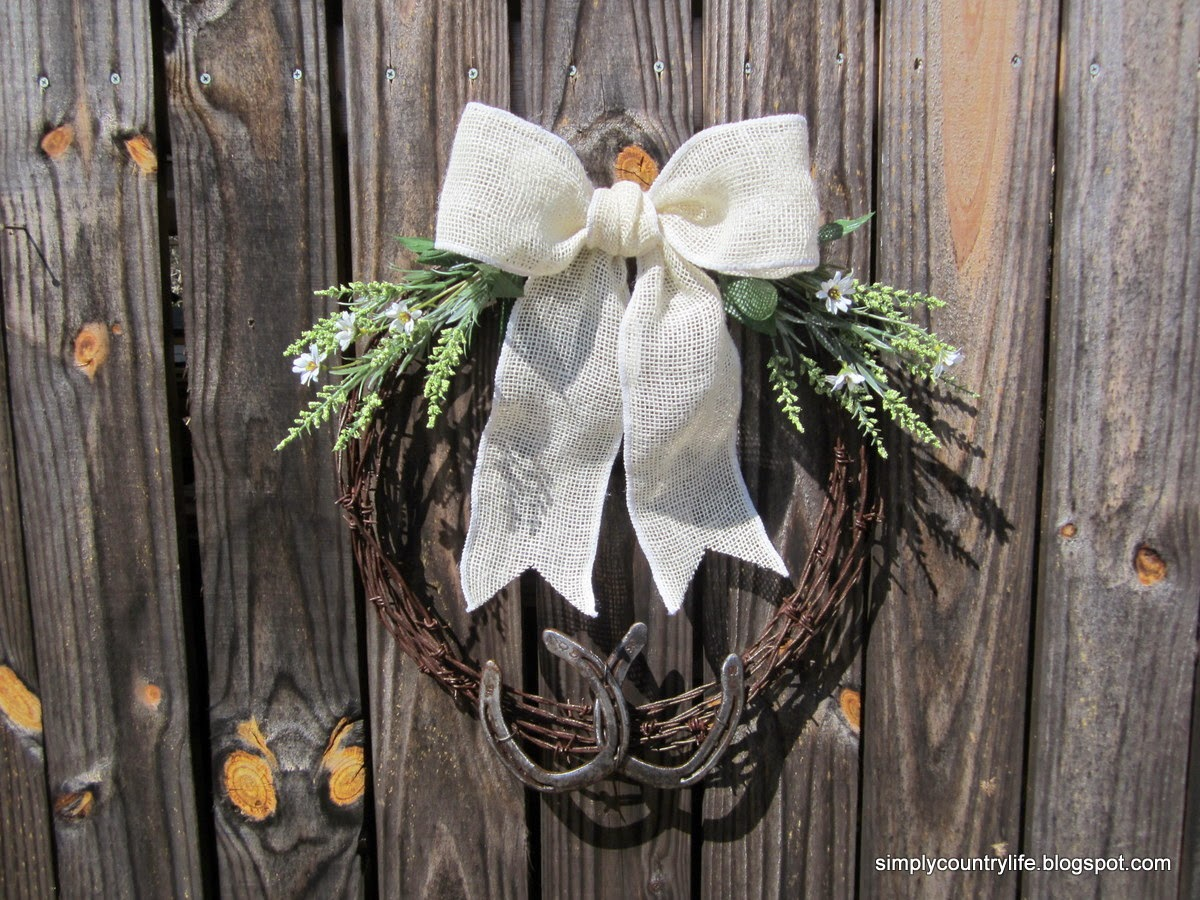 Simply Country Life Barb Wire And Horseshoe Wreath