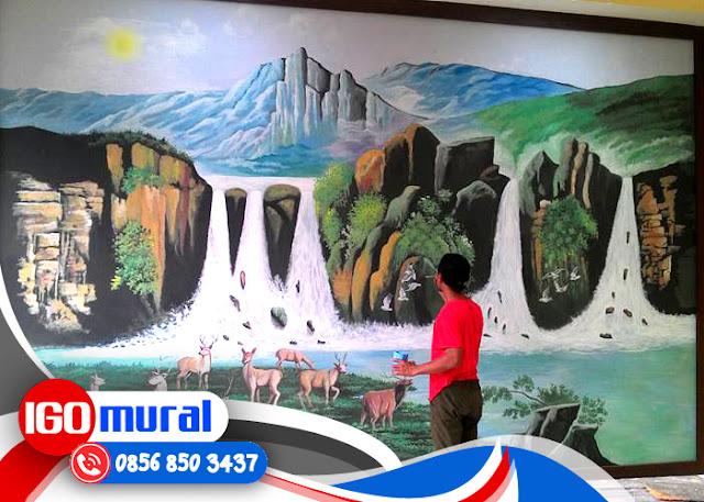 Lukisan Pemandangan Di Dinding