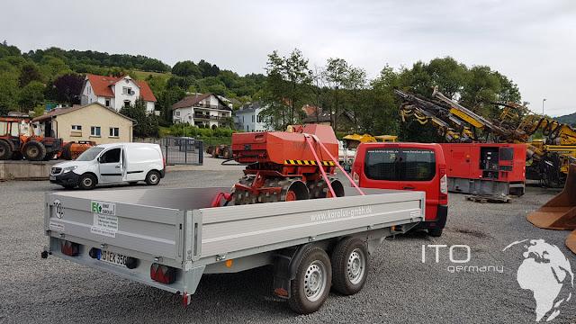 Verladung gebrauchte Baumaschine mit Anhänger der Firma Karolus aus 69257 Wiesenbach