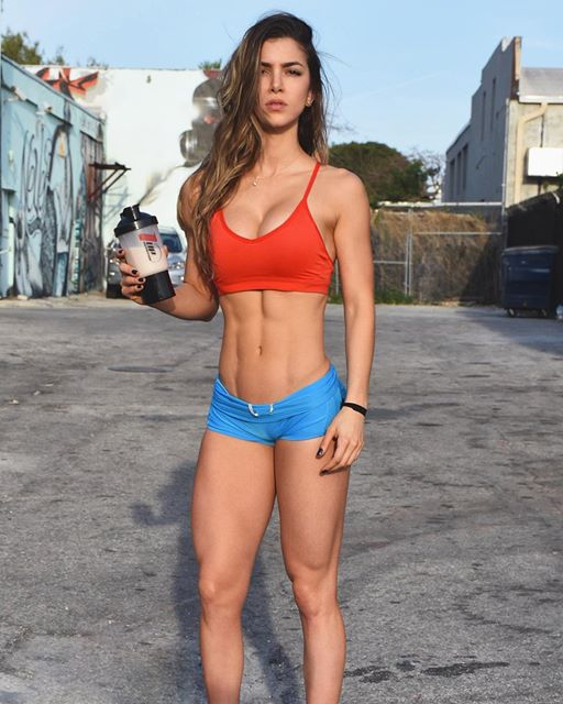 Anllela Sagra Colombian fitness model 4