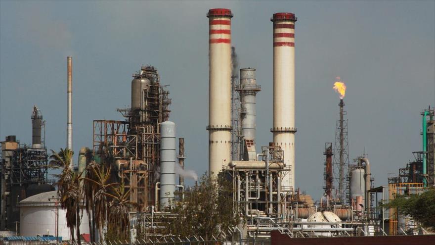 #Venezuela reinicia producción de gasolina gracias a la ayuda de #Irán
