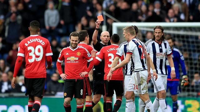 El United se plantea renegociar con adidas