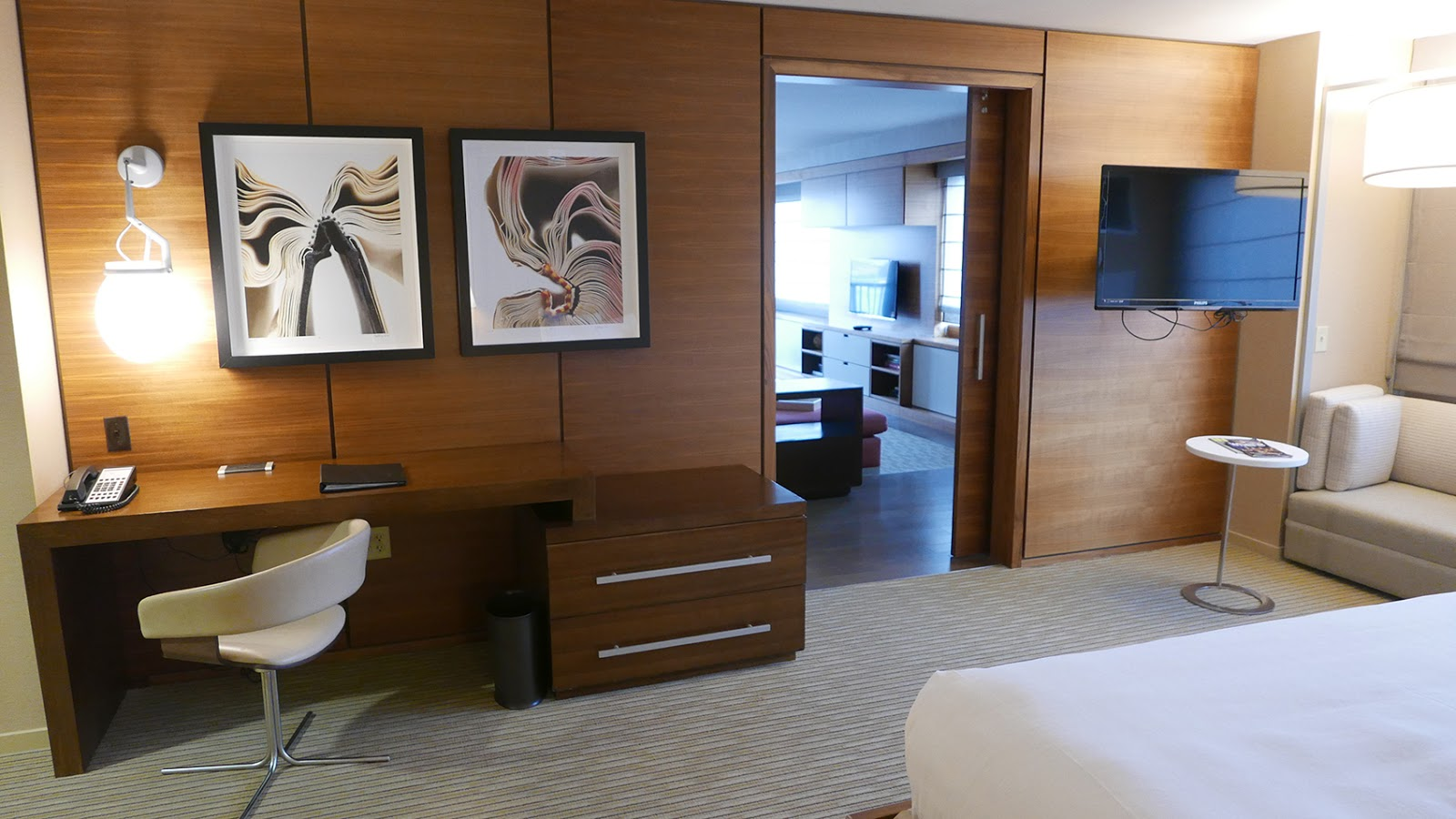 Euriental | fashion & luxury travel | Hyatt Regency New Jersey suite