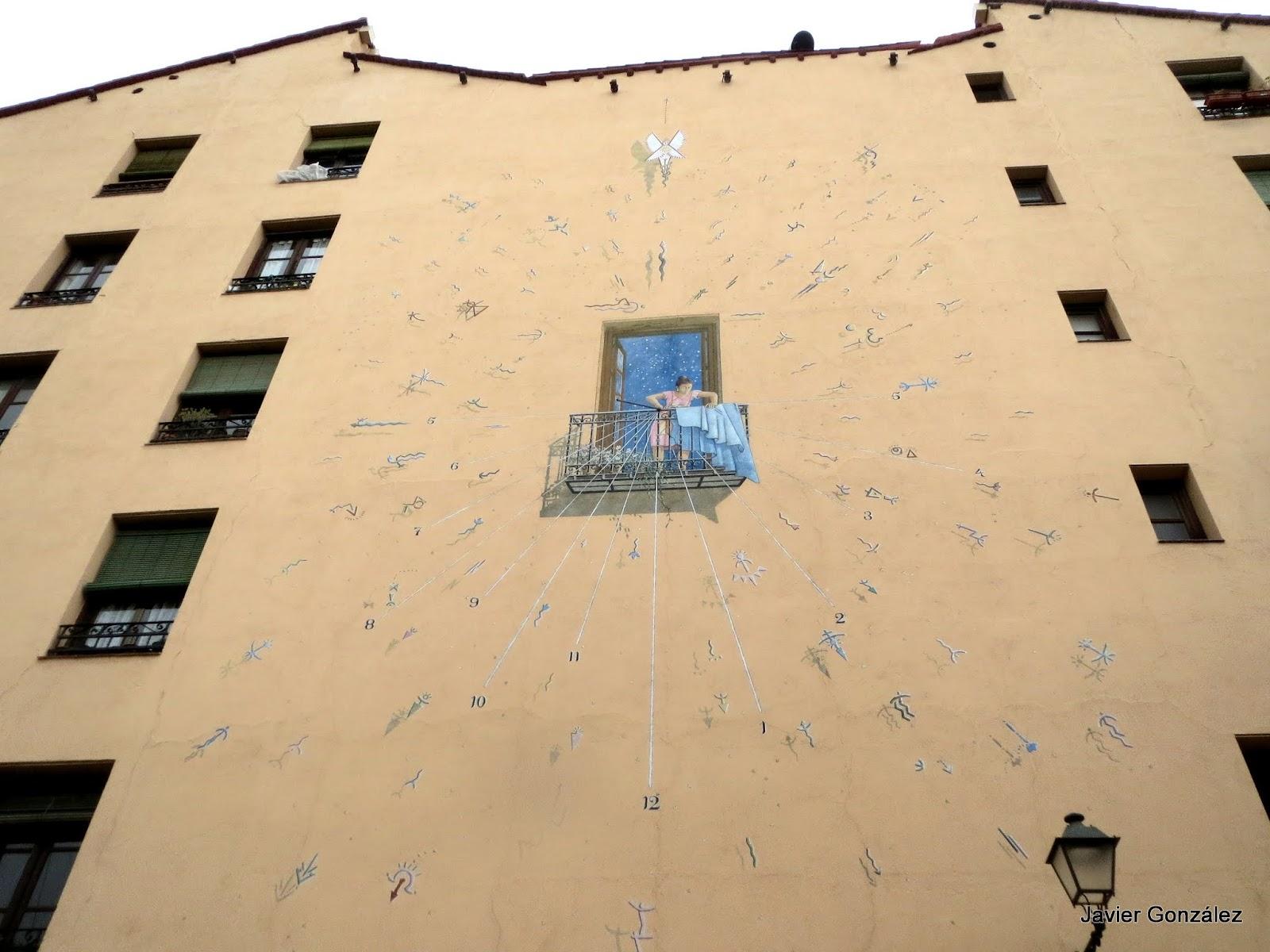 Reloj de Sol. Lavapiés. Madrid  #cityscapes Mural