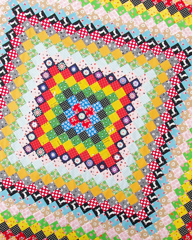 A Giant Granny Square Quilt ~ Trip Around the World Quilt |  Red Pepper Quilts 2016