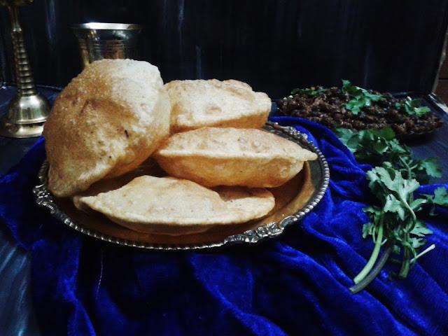http://www.paakvidhi.com/2015/04/urad-dal-poori-bedhmi-poori.html