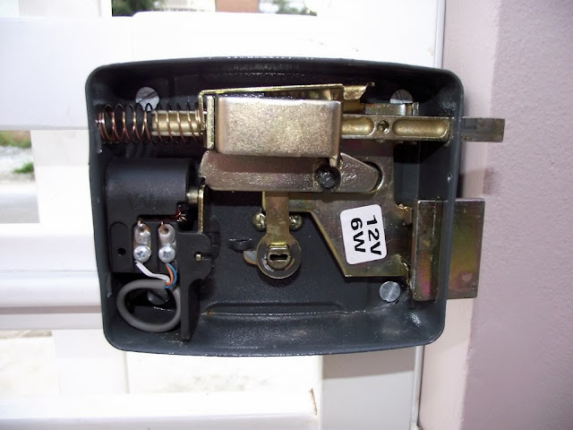 Fechadura elétrica por dentro