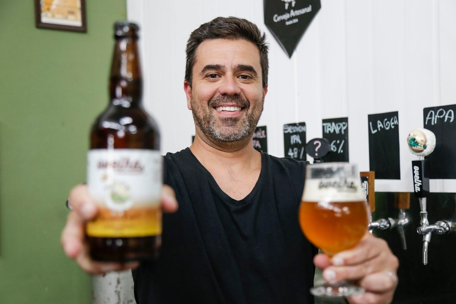 Cervejarias curitibanas recebem turistas em visitas guiadas