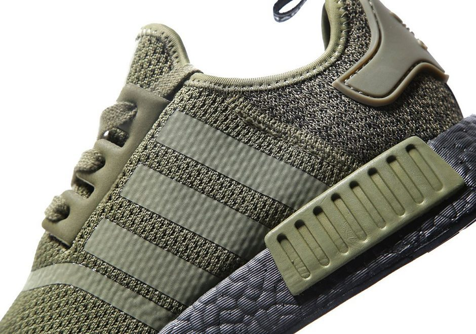 The NMD is still on a rol and this time, wool was used in addition to the  knitted mesh upper and placed on the heel area. Adding some winter touch to  it, ...