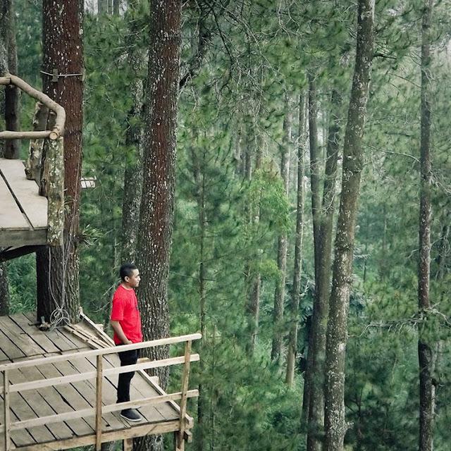 10 Lokasi Cantik yang Paling Sering Dijadikan Spot Foto di Indonesia