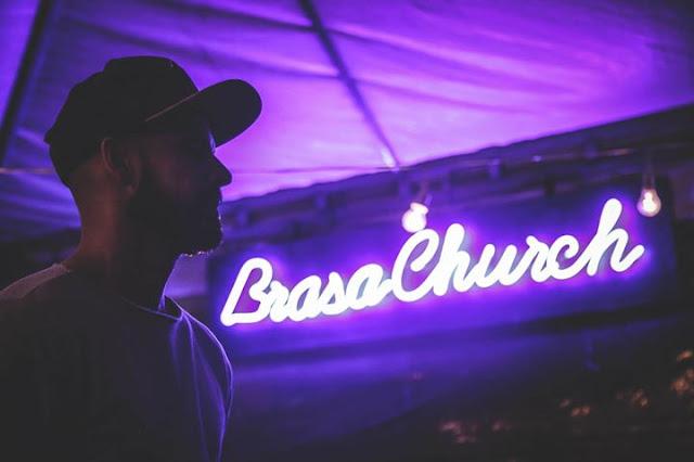 Ouvindo Igreja Brasa Church