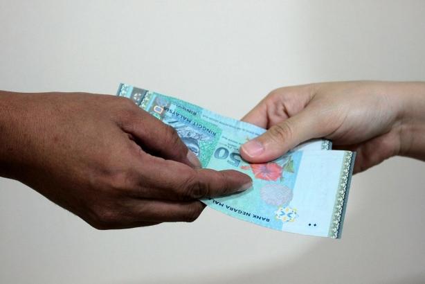 Dua Anggota JPJ Dituduh Terima Rasuah RM100