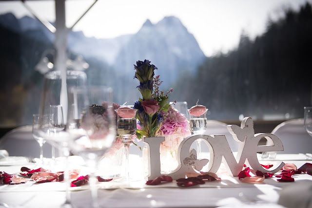 Herbsthochzeit, Finnland, weddings abroad, heiraten in Garmisch-Partenkirchen, Hochzeitshotel Riessersee Hotel, Bayern, Bavaria, moutain wedding, Oktober, Pastellfarben, Seehaus, Beste Aussichten, Hochzeitsplanerin Uschi Glas wedding planner, Fotografie Max Merget