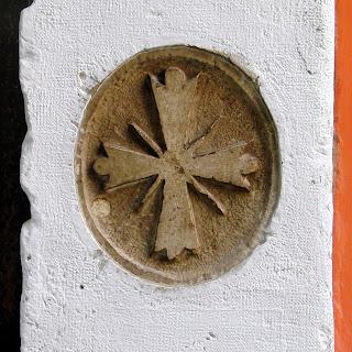 Strahlenkreuz am Sotoportego de la Madona