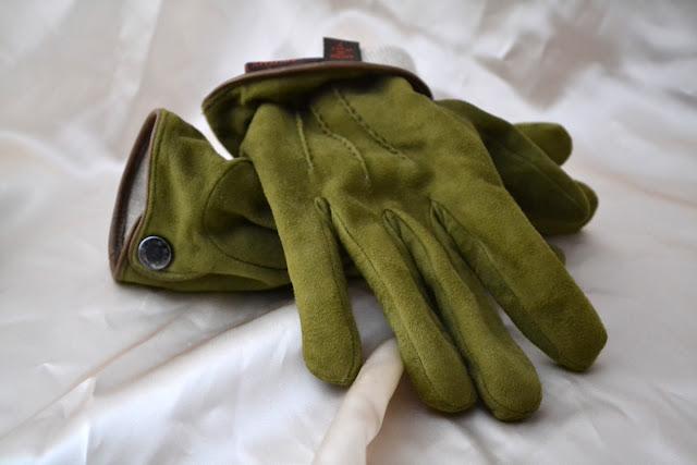 マリオ ポルトラーノの手袋