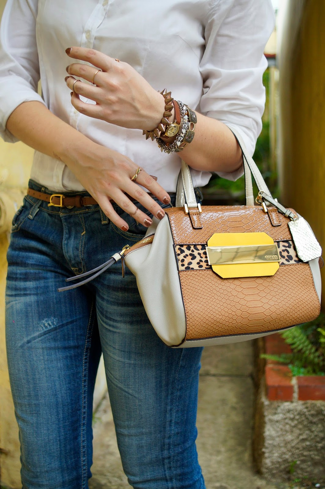 Guess Purse, Chic Accesories