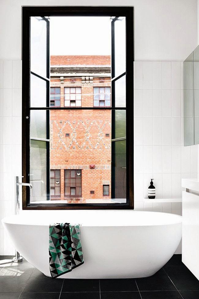 Modern Bathroom Design White Porcelain Freestanding Bathtub Bath Tub Contrast Black Tile Floor
