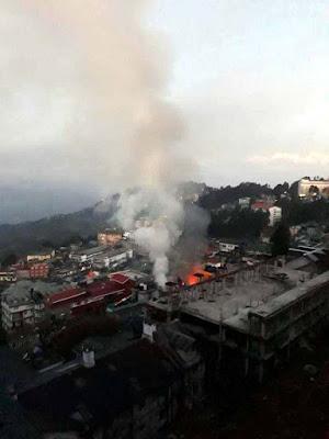 Massive fire near Darjeeling town Kaventers