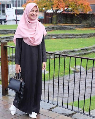 Hijab modern untuk ke kantor tetap syari