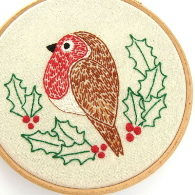 robin and holly Christmas embroidery pattern