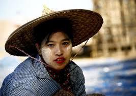 Khám phá bí quyết làm đẹp của phụ nữ Myanmar