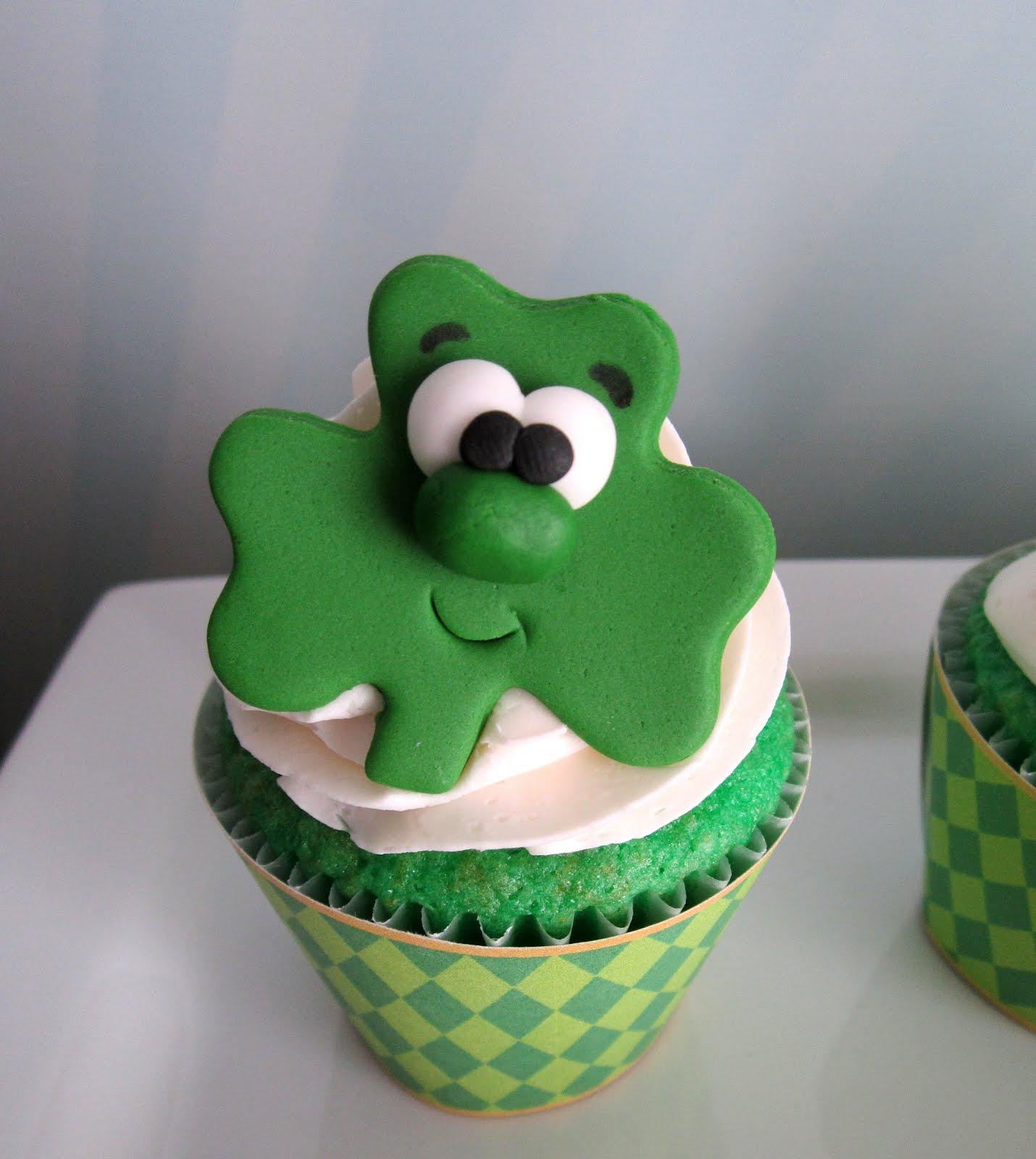 Shamrock Cupcake Cake