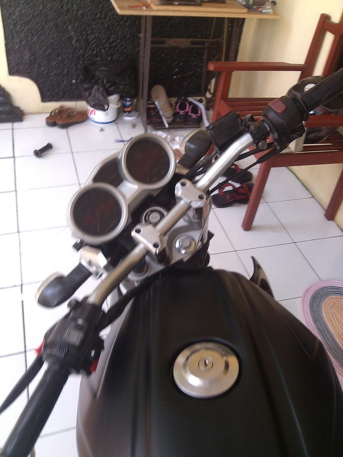Koleksi 89 Modifikasi Old Vixion Stang Tinggi Terbaru Ruji Motor Raiser Modif Ala Street Fighte Pasang Byson Di
