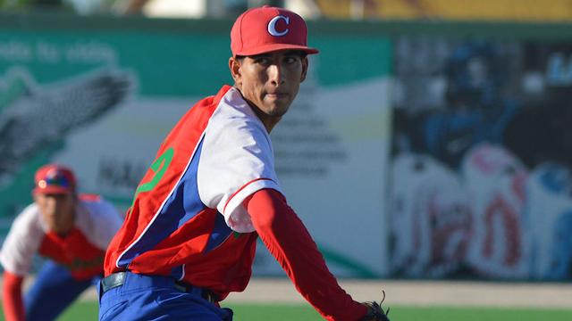 Pérez, de 20 años de edad, está calificado por MLB Pipeline como el prospecto internacional número 4.
