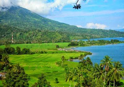 kita tau indonesia ialah negara yg sangat kaya Hasil alam Indonesia