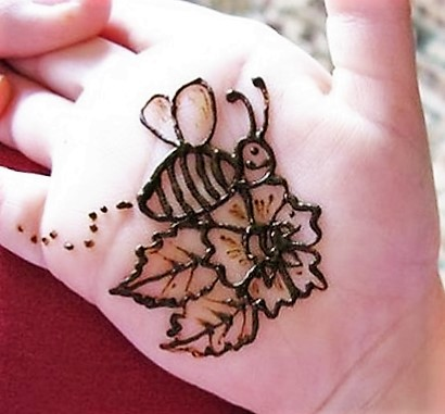 Simple Mehndi Design for Kids Hand , Mehndi Designs