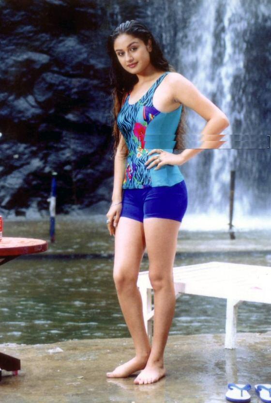 Sonia agarwal bikini