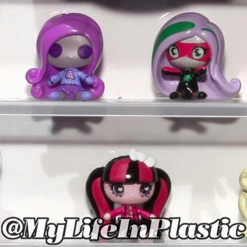 Stunning  simply called Monster High Minis Miniature figures of all your beloved guys and ghouls Check out photos below from MyLifeInPlastic with a release of
