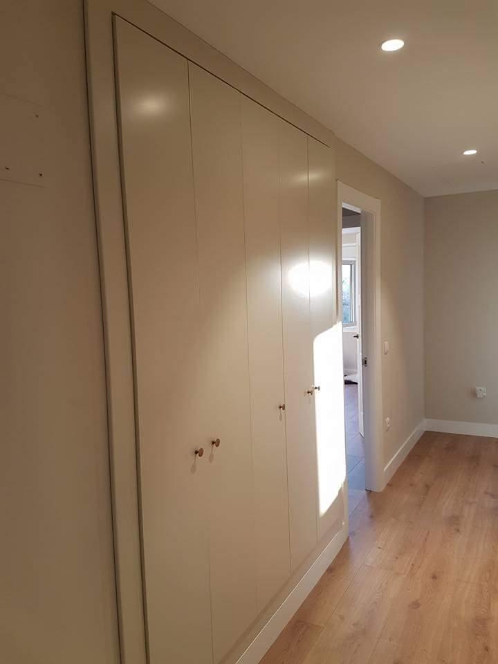 Carpintero fernando g calleja armario integrado en pasillo - Armarios para entradas ...