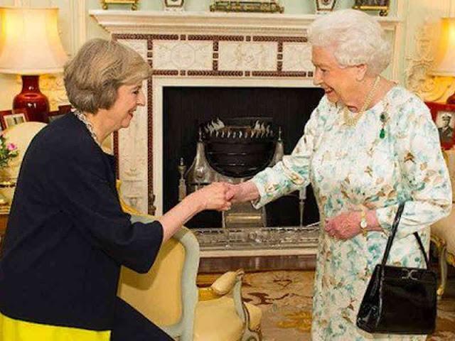 Queen Elizabeth II Urge Britain to Find Common Ground on Brexit