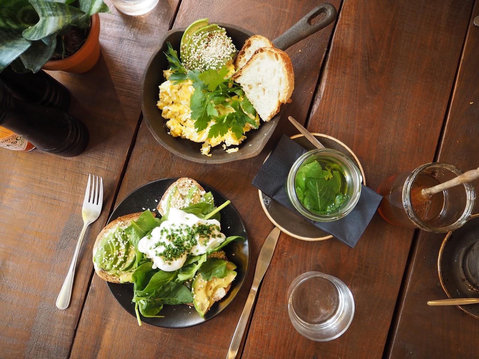 Breakfast brunch lunch at Roamers cafe in Berlin