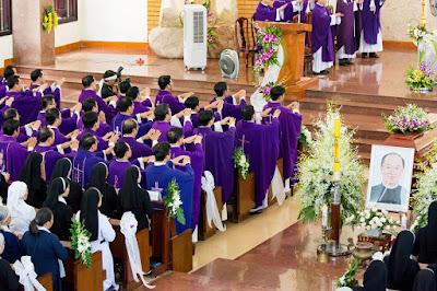 GP Bà Rịa: Thánh lễ an táng Cha Cố Phêrô Nguyễn Văn Giản - Ảnh minh hoạ 27