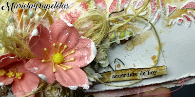 Sobre decorado con técnicas Mix Media y scrapbooking, en tonos rosas, de estilo shabby. Money Box with mixed media and scrapbooking techniques