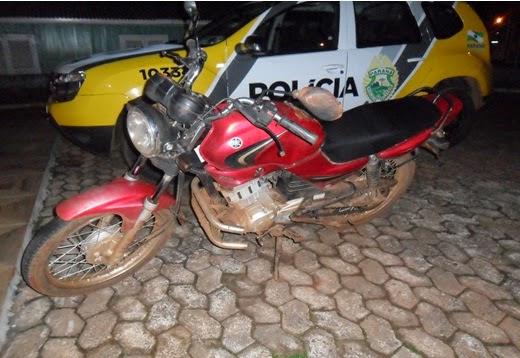 Notícias de Castro, Chassi remarcado, Pinado, Placa de outra moto, Vila Santa Cruz, Moto Yamaha apreendida em Castro Paraná