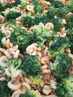 Rezept für Hackfleisch-Nudel-Auflauf mit Brokkoli