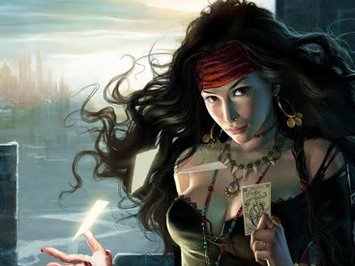 Ilustração de uma cigana de longos cabelos negros segurando uma carta de baralho.