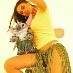 Andrea Rincon, Selena Spice Galeria 13: Hawaiana Camiseta Amarilla Foto 50