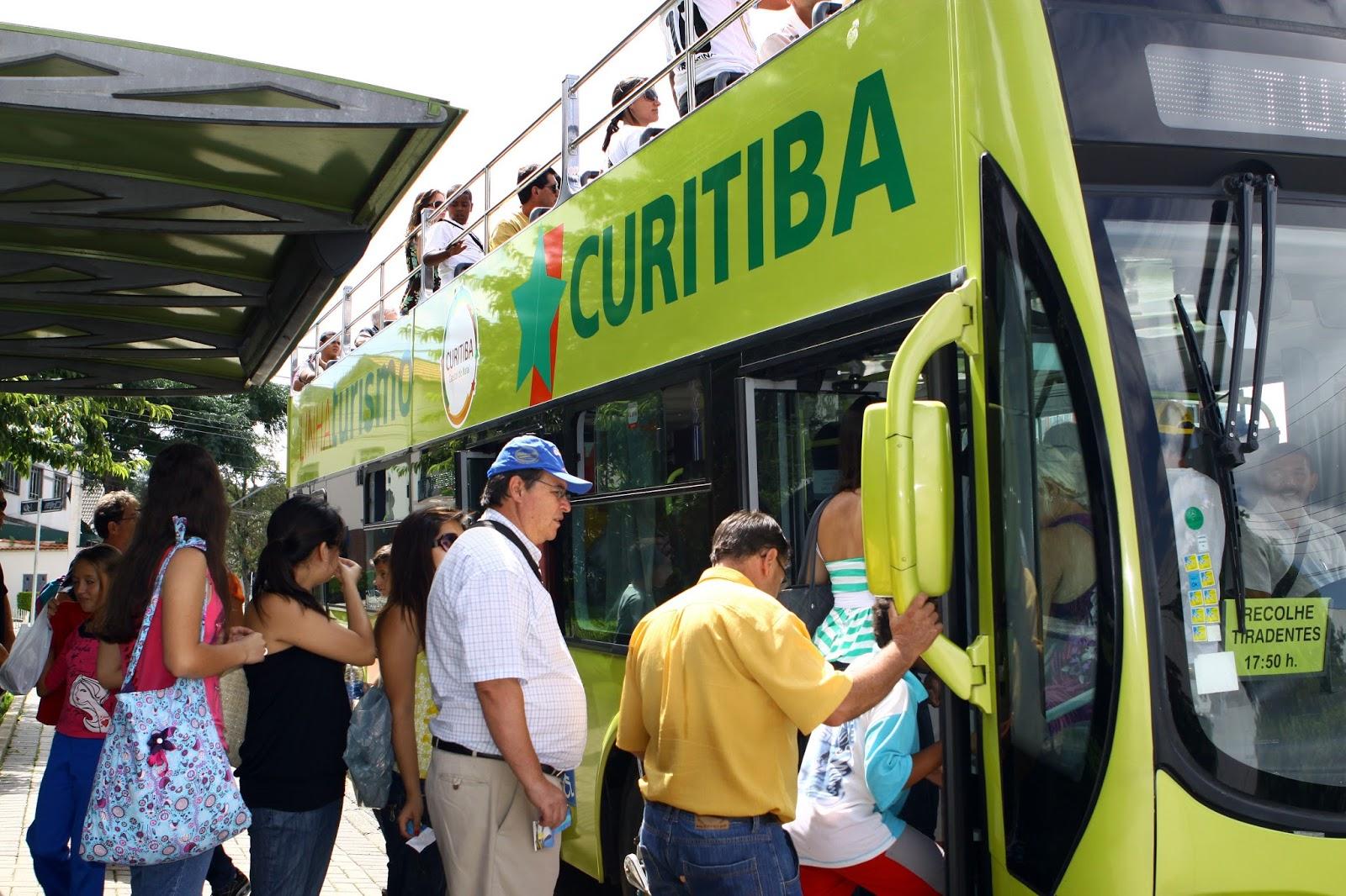 Maioria dos passageiros da Linha Turismo vieram a Curitiba a lazer