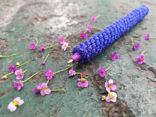 długopis pleciony kwiaty