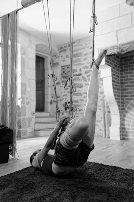 shibari suspension équilibre