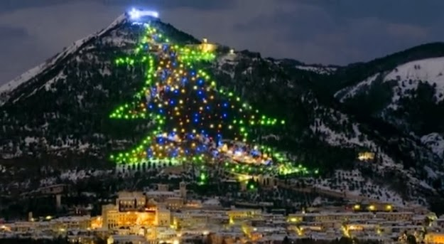 Worldwide Tech & Science: Italy: World`s Largest Christmas