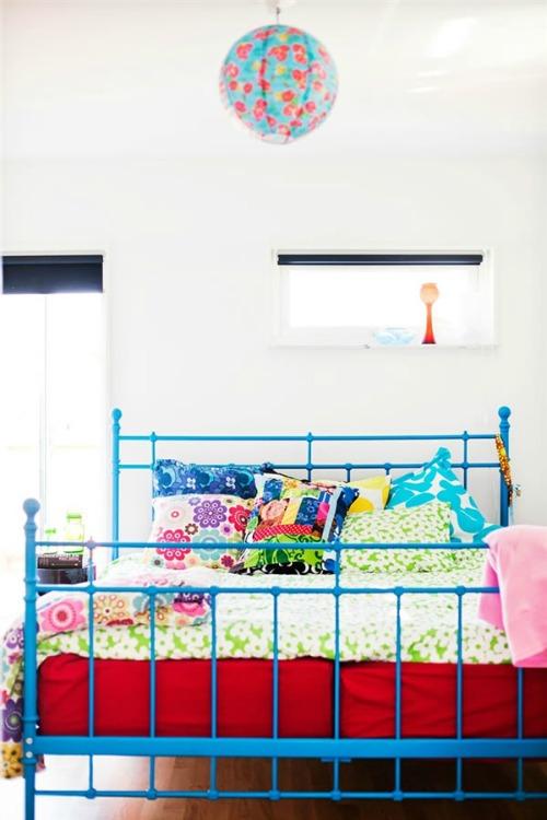 dormitorio principal lleno de color