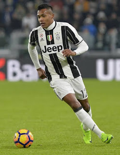 Juventus left-back Alex Sandro explains he signed his new contract